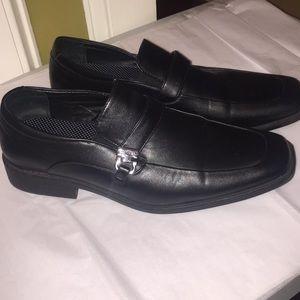 Black Perry Ellis dress shoes